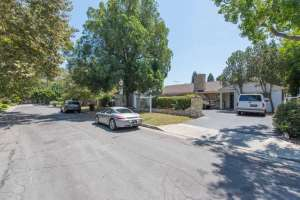 231 S Valley St Burbank CA-small-008-8-a231Vp08-666x445-72dpi
