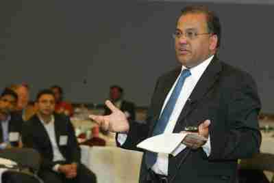US India 2008 Ram Moderating Panel 48AC0667