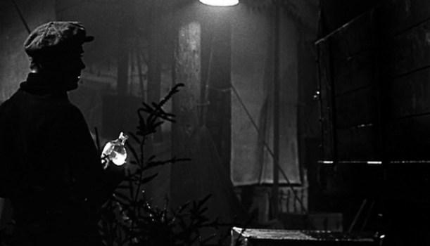 悪魔の往く町 (1947)