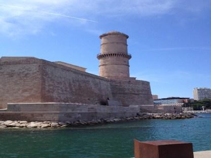 La tour du fanal depuis le MuCEM