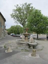 29 Fontaine du cours de la République