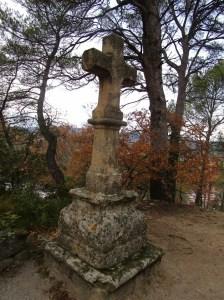 La croix devant l'ermitage saint-Marcellin