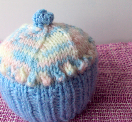 cupcakepincushion1