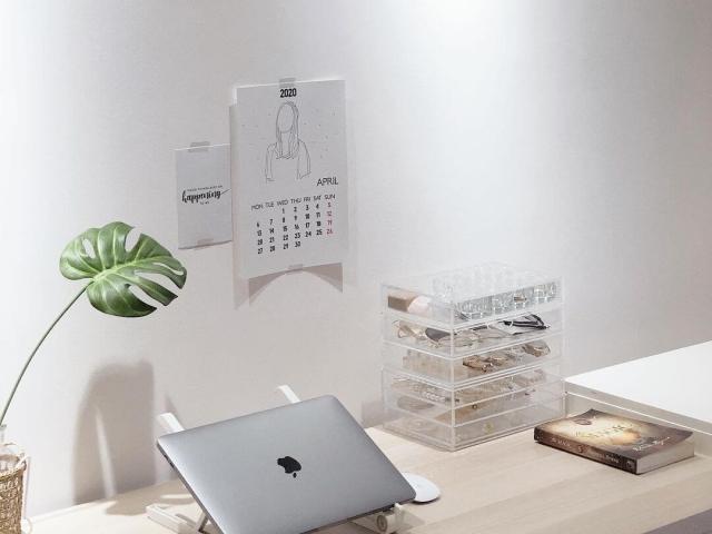 Clean japanese style student minimalist setup_basicmii