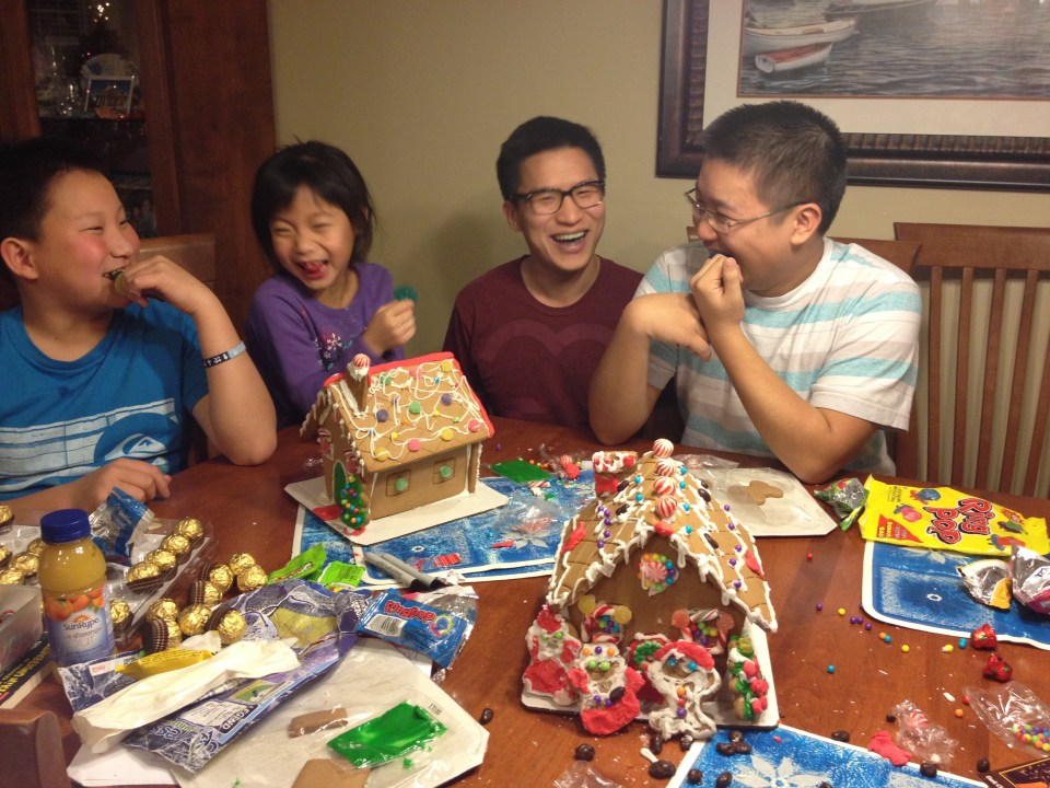 Gingerbread houses: complete!