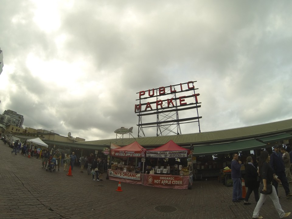 The giant sign at Pike Place Market