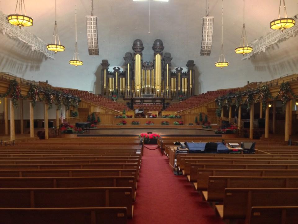 Inside the Salt Lake Tabernacle – beautiful organ