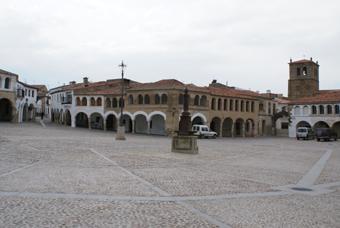 PLACE DE GAROVILLAS02