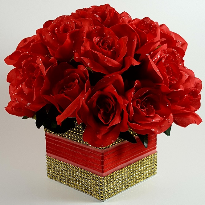 Red Roses Centerpiece   R   R Party Store Red Roses Centerpiece