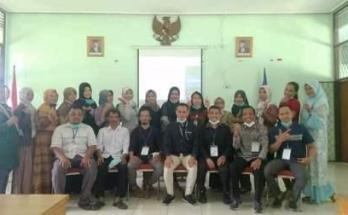 3 Guru SMK Muhammadiyah 3 Metro Terima Sertifikat usai Ikuti Program Upskilling dan Reskilling Kemdikbud