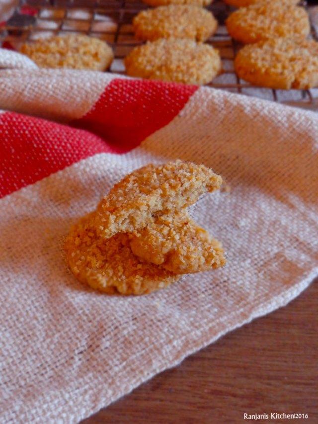 eggless-coconut-cookies