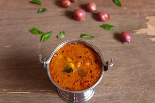 onion kuzhambhu