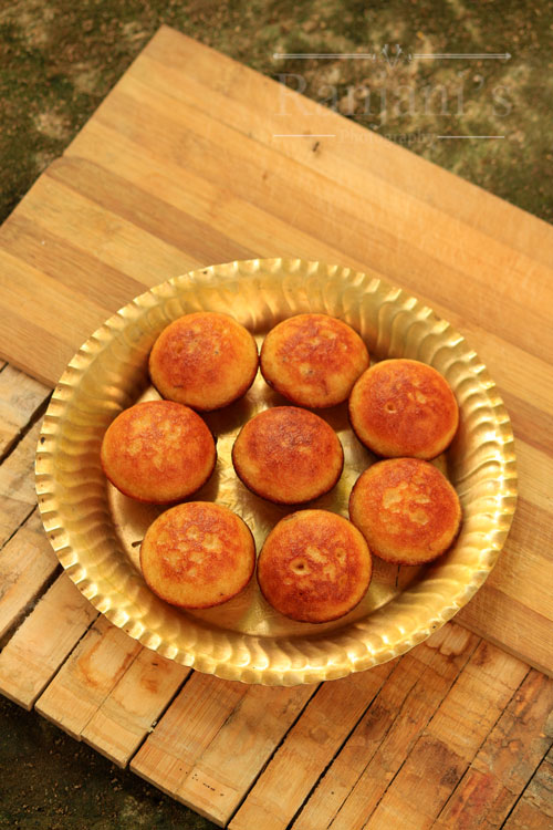 Sweet Paniyaram Recipe | Chettinad Sweet Paniyaram