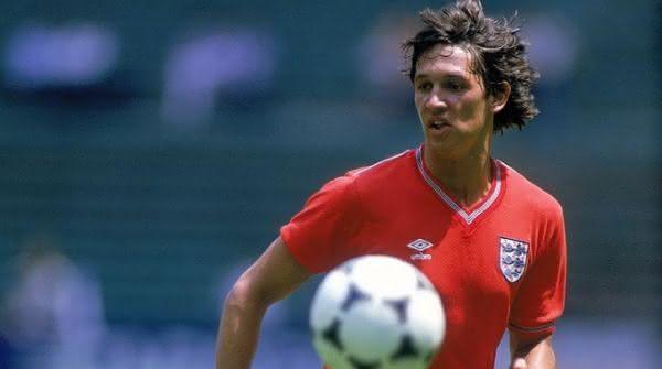 gary lineker entre os melhores jogadores britanico de todos os tempos