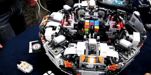 Cubestormer III robot