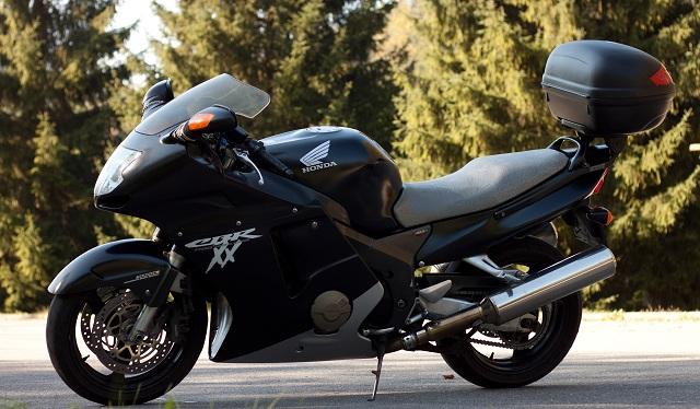 Honda CBR 1100 XX Blackbird 1