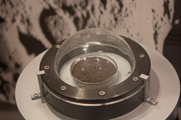 Study Lunar Samples