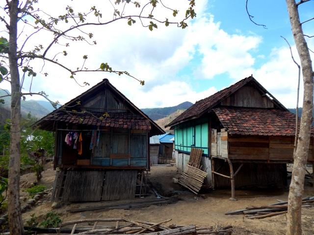 Rumah-rumah di Desa Campa
