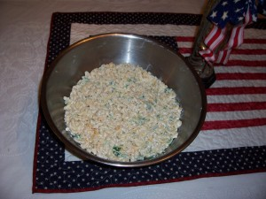 Macaroni Salad with Cheddar Cheese and Green Bell Pepper