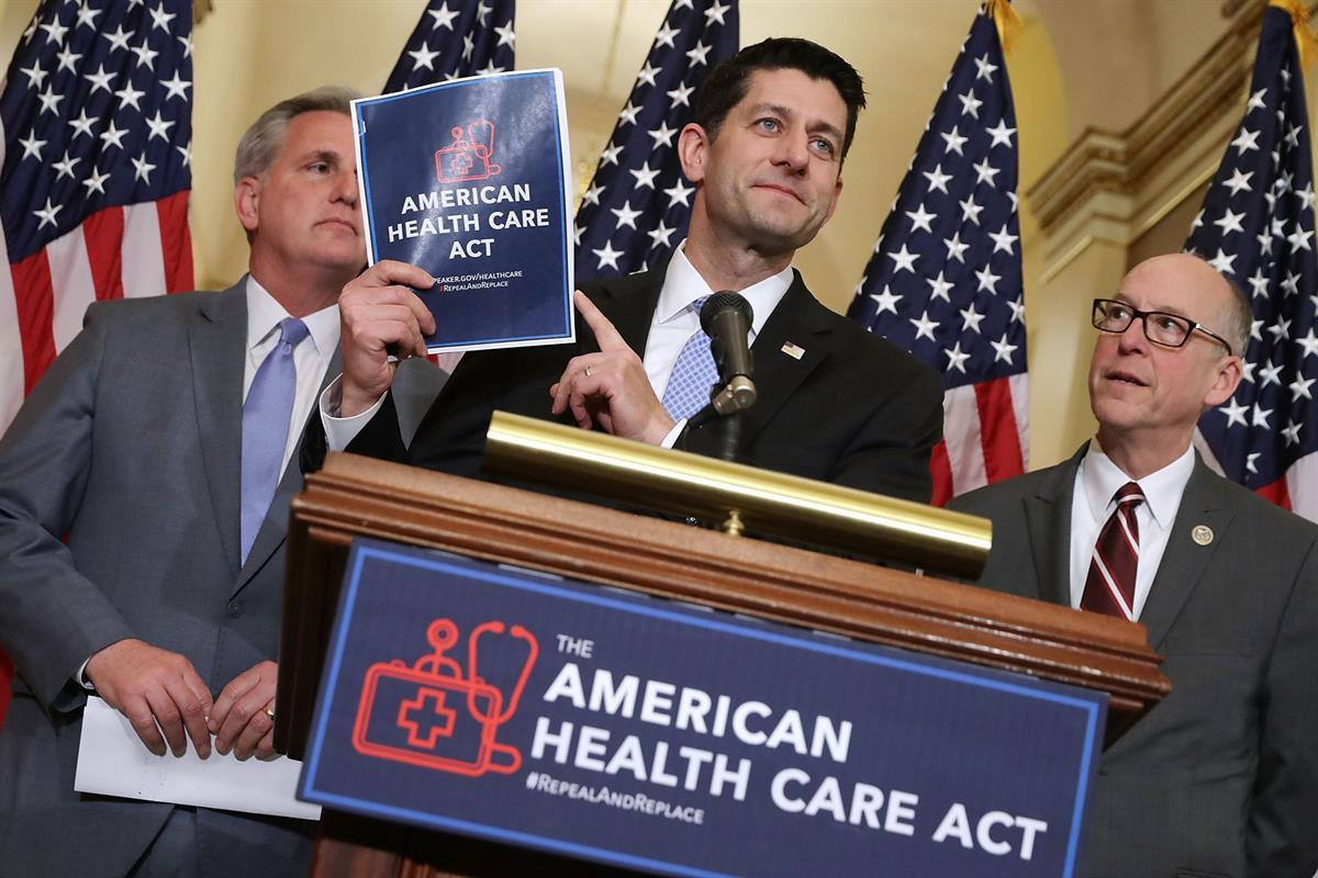 Speaker Paul Ryan (center) and House Majority Leader Kevin McCarthy (left) (Chip Somodevilla/Getty Images)