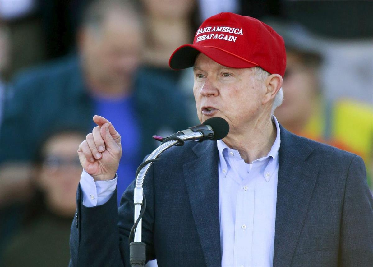 Attorney General Jeff Sessions campaigning for Donald Trump during the 2016 election (Marvin Gentry / Reuters)