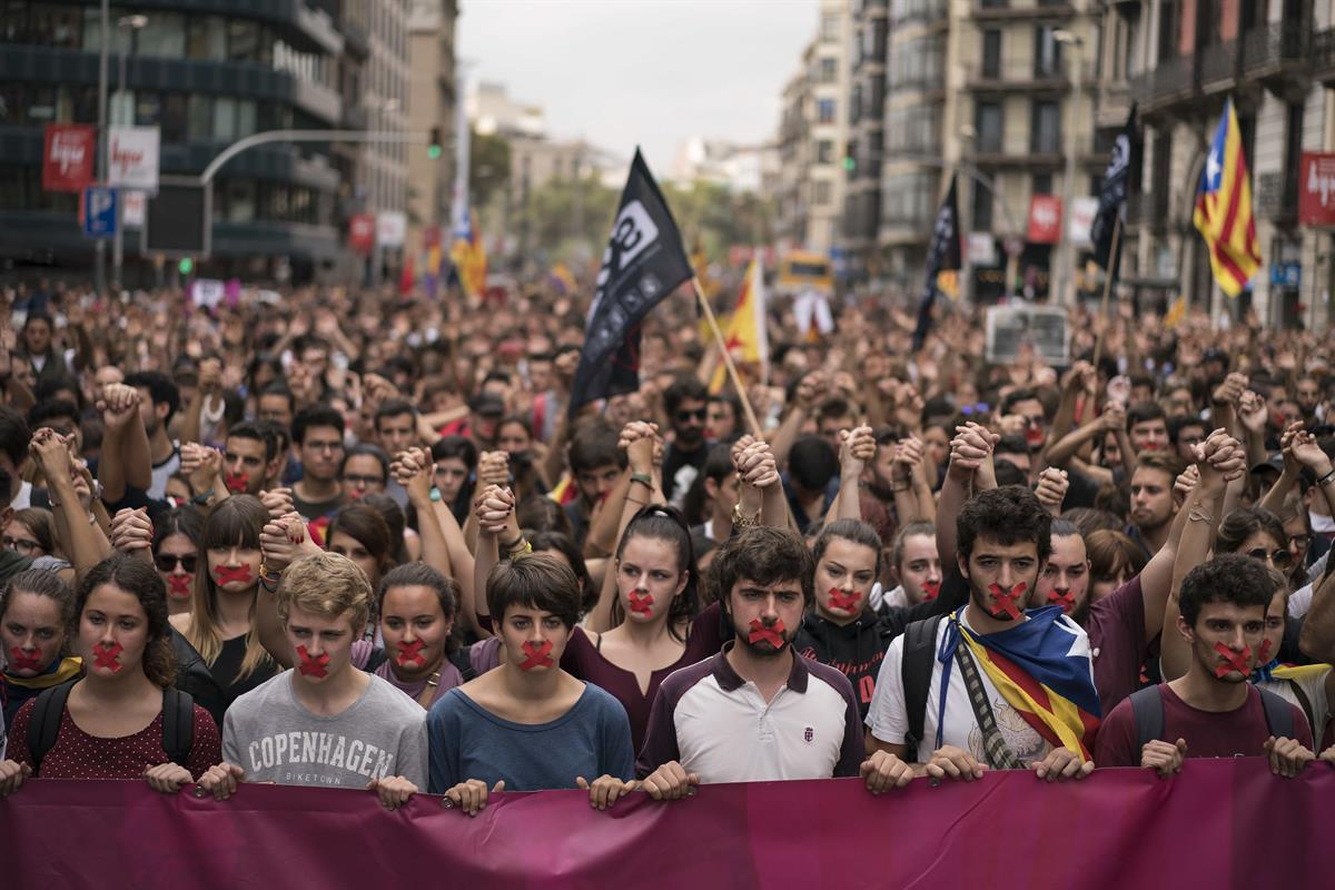 Independence supporters march during a demonstration in downtown Barcelona, Spain, Monday, Oct. 2, 2017 — (AP Photo/Felipe Dana)