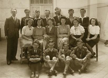Albert Vermeiren en zijn klas. Raoul zit op de eerste rij, tweede van links.