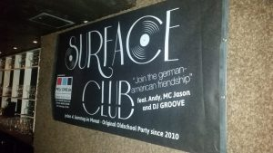 Surface Club Banner (Foto: WMG)