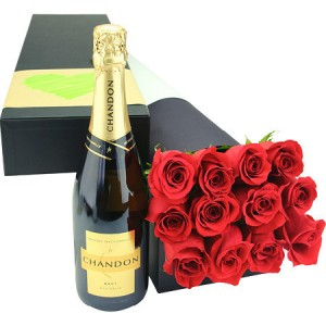 red roses box with moet and chandon