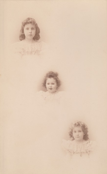 Trois filles de Félix Chancel : Louis (Mme Victor-Alexandre Franc), Flavie (Mme Jean Rozan) et Cécile (Mme de Raphélis-Soissan) Collection Charles de Raphélis-Soissan