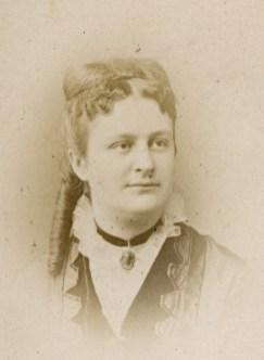 Odile Massot (Mme Henri Ouvré) (1841-1905)