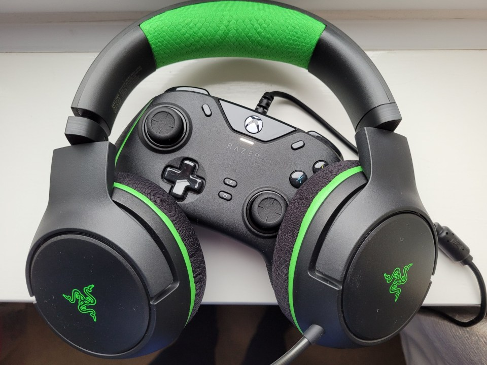 Razer Wolverine V2 Wired Xbox Series X Controller