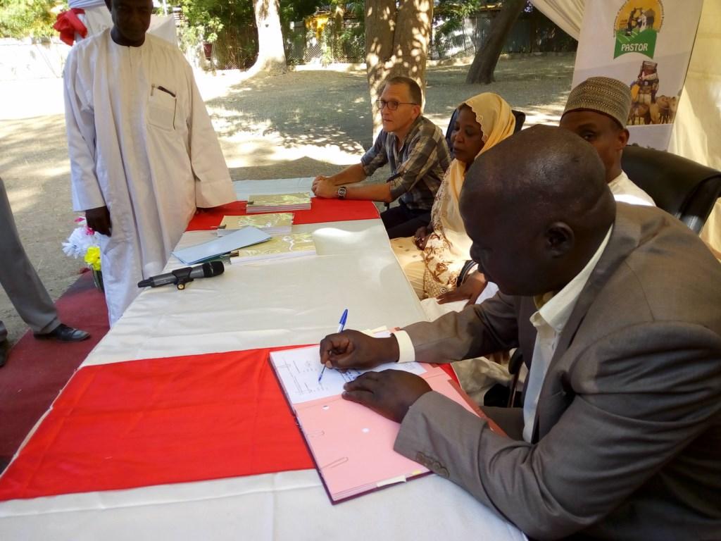 Cérémonie de signature du contrat PASTOR SUD