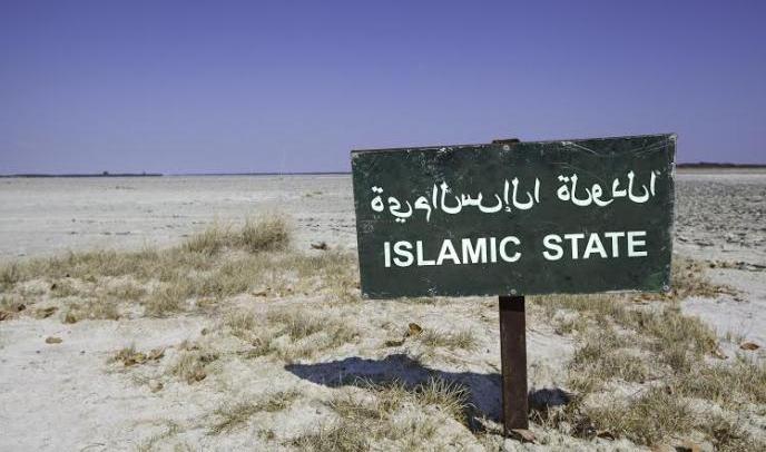 داعش يفرض التجنيد الإجباري في الرقة.. ومعركة كسر العظم تقترب