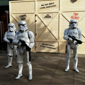 Stormtroopers outside the Disney Store, by lipsticklori