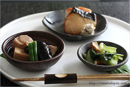 Traditional Japanese Breakfast | Easy Asian Recipes at RasaMalaysia.com