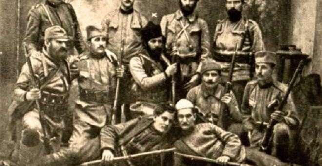 Мајор српске војске и четнички војвода Војислав Танкосић са саборцима