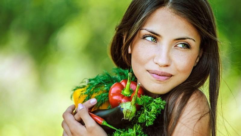 Wie gesund ist Vegan, gesunde vegane Frau