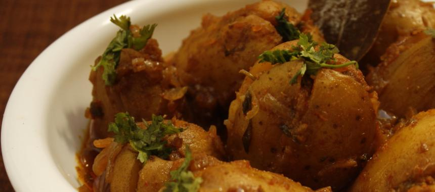 Kathiyawadi Style Stuffed Potato Recipe