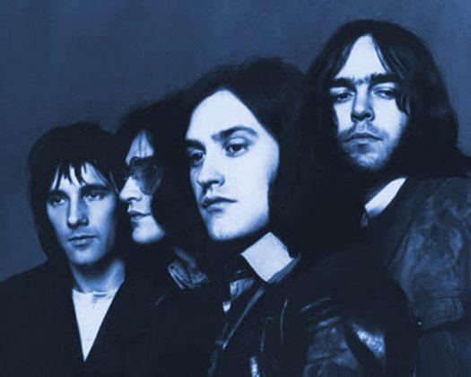 Arthur album: black & white photo of the Kinks 1969 tinted dark blue.
