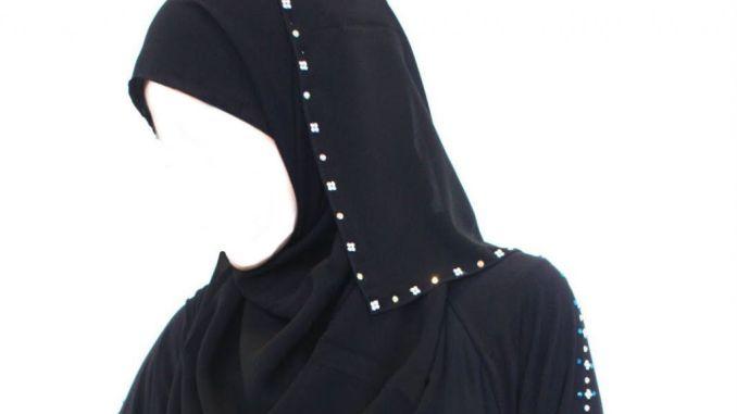 malam ini kukenakan jilbab tercantik
