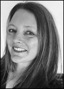 Amanda Newell headshot