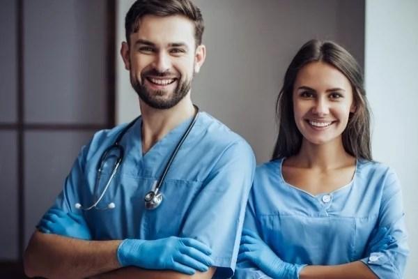 Wer andere zum Lächeln bringt, der verdient eine hervorragende Absicherung. Mit dem Sonderkonzept Unfallversicherung für medizinische Fachangstellte bist Du bestens aufgestellt.