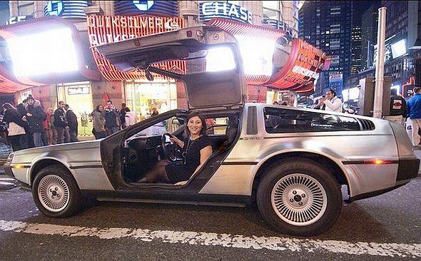 Un De Lorean se pasea por las calles de Nueva York