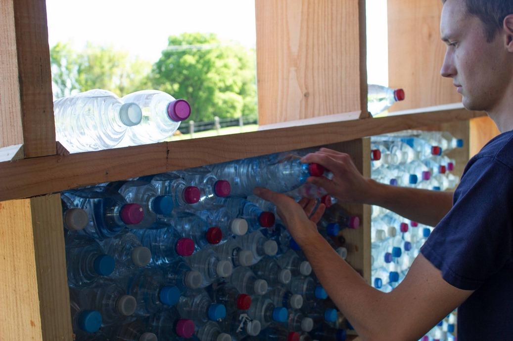 mur en bouteilles raulhac