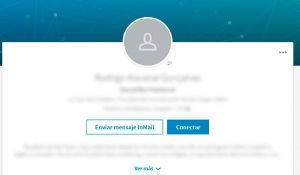 No cometas estos errores en tu foto de perfil en Linkedin: No dejes tu perfil sin foto