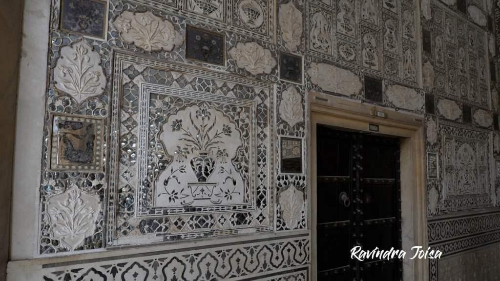 Carvings at Sheesh Mahal Jaipur