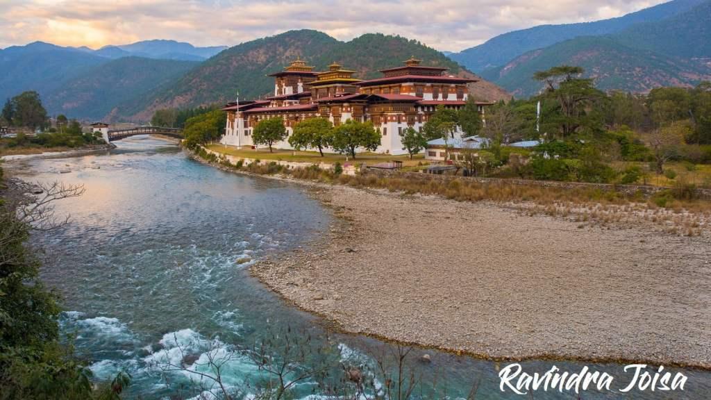 Punakha surrounded by Po Chu Mo Chu rivers