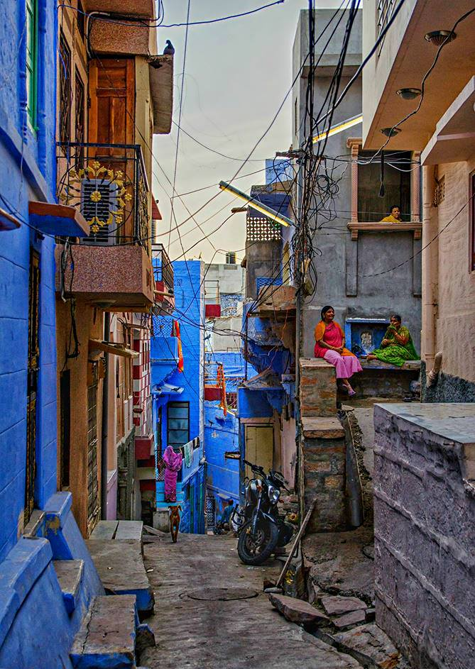 AMAL MASLOUT - INDIA TRAVEL STORIES PHOTOGRAPHY AFRICA