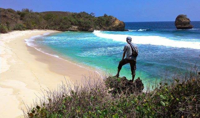 Obyek wisata pantai di Trenggalek Jawa timur